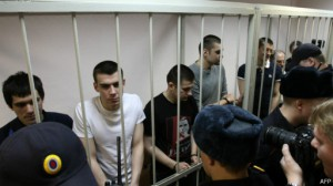 140224112917_bolotnaya_defendants_cage_512x288_afp