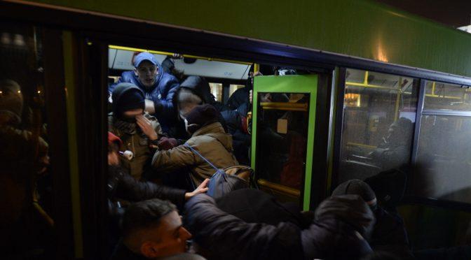 На Марше разгневанных беларусов менты в штатском напали на анархистов