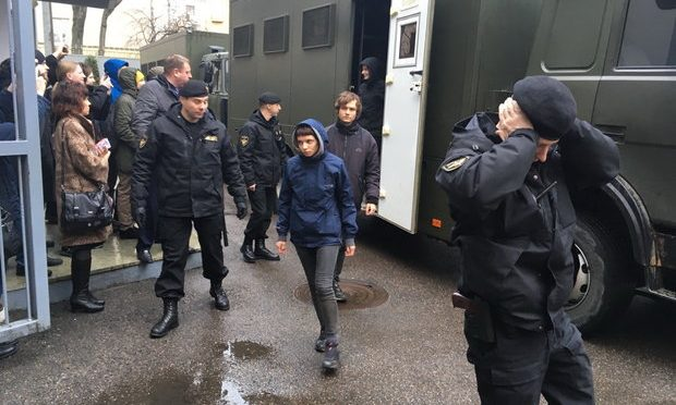 How can you help the arrested after the Anti-parasite marches in Belarus